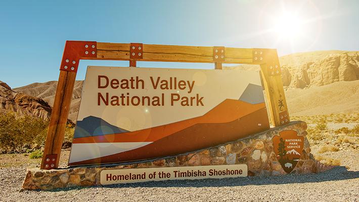 cartel-bienvenidos-death-valley-california