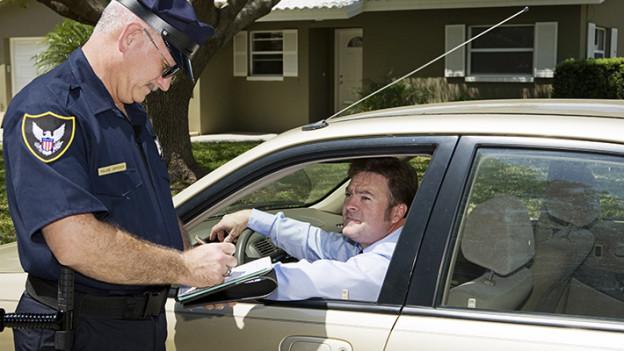 Multas e infracciones de tránsito otorgados por la policía