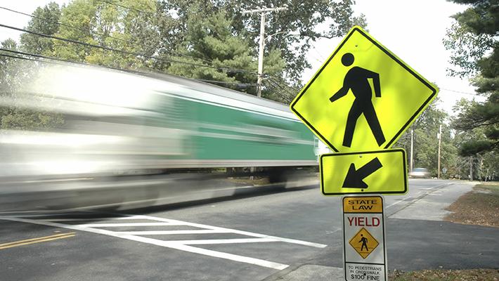 Resultado de imagen para seguir señalamiento vial peatones