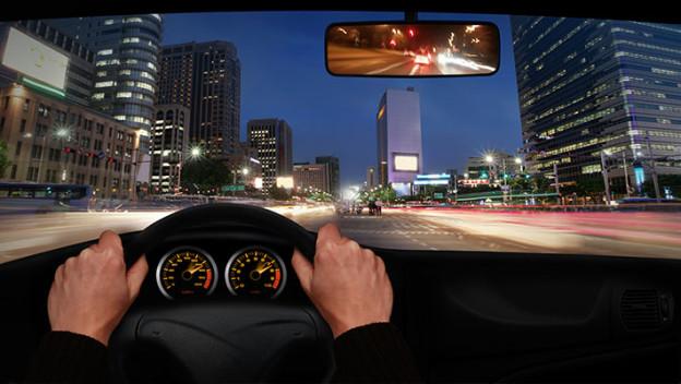 seguridad-vial-para-conducir-de-noche