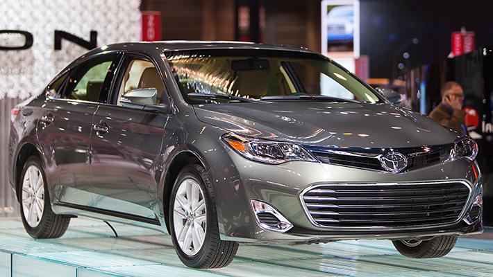 Toyota Avalon Gris