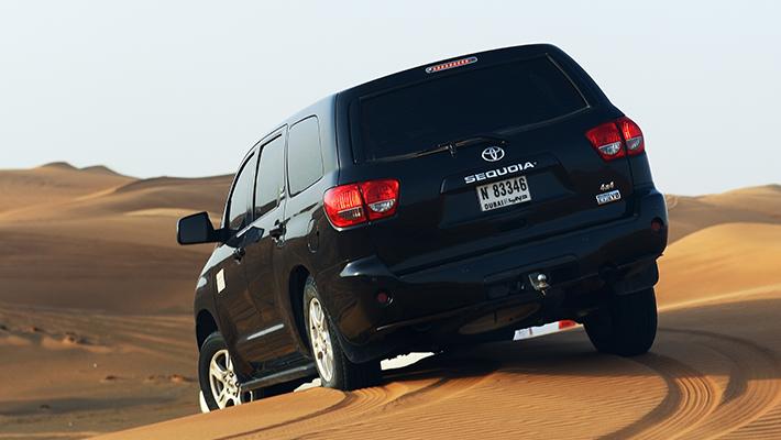 Toyota Sequoia Negro
