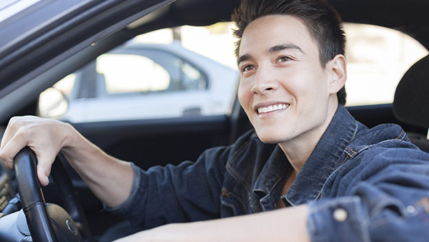 tipos-de-cobertura-de-seguro-de-auto-joven-conductor