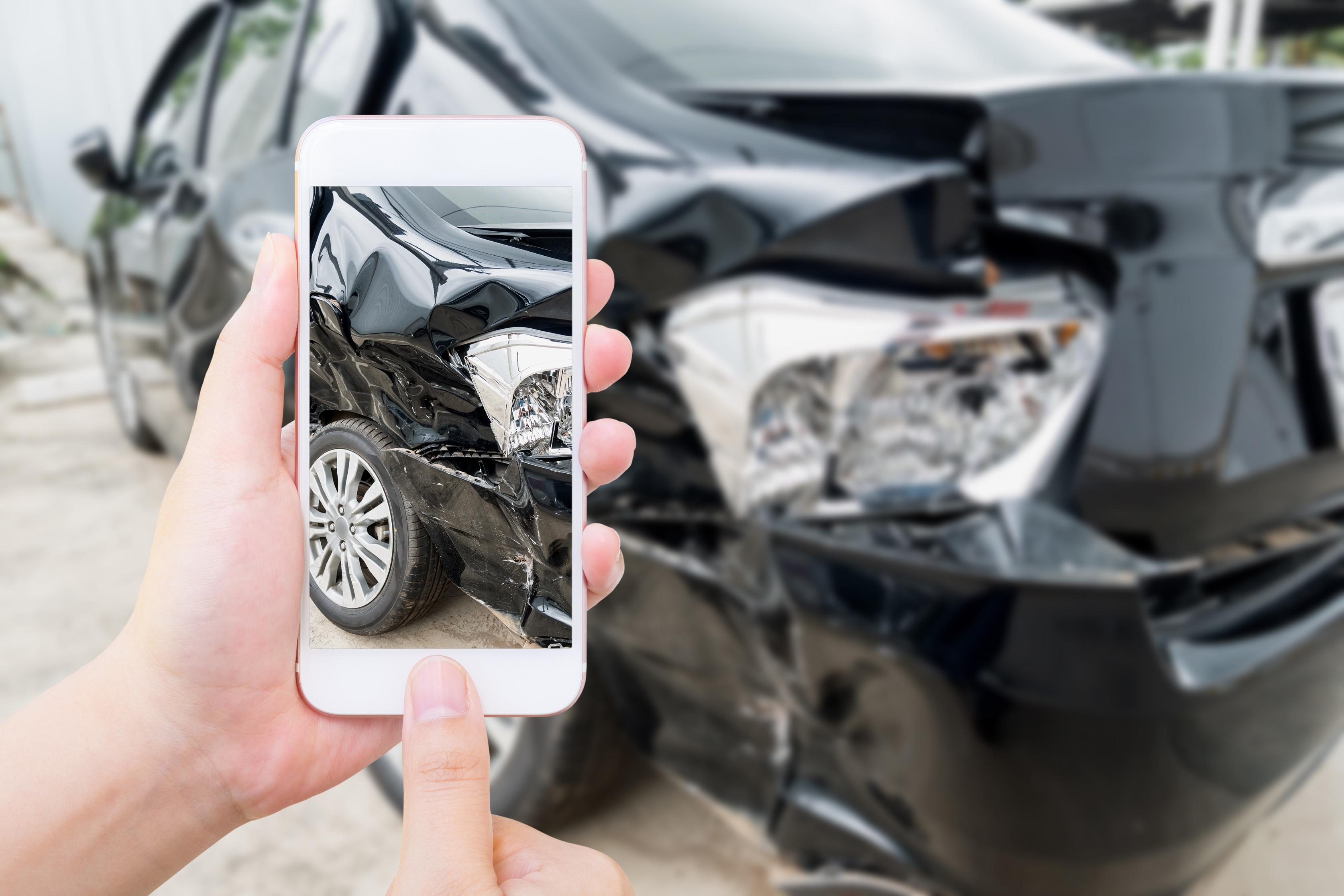 foto-telefono-movil-accidente-auto