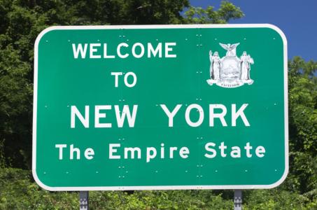 letrero de carretera que dice welcome to new york requisitos minimos de seguro de auto ny